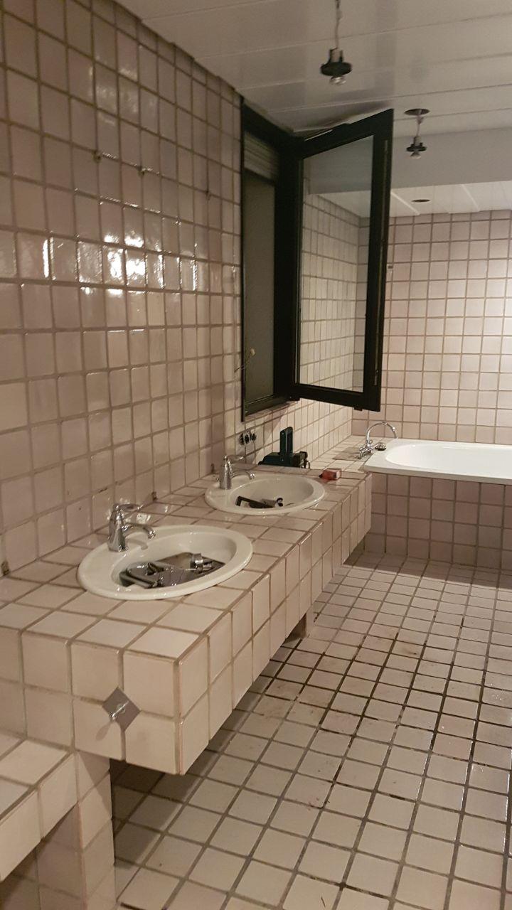 fugenloses badezimmer mit einer fototapete farbwechsel bocholt. Black Bedroom Furniture Sets. Home Design Ideas